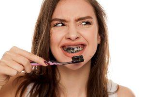 Than hoạt tính làm trắng răng