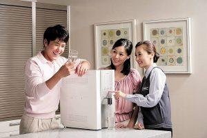 Sử dụng máy lọc nước Coway